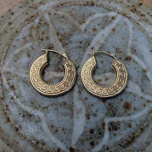 Jewelry - Vintage14k Gold Hoop Earrings